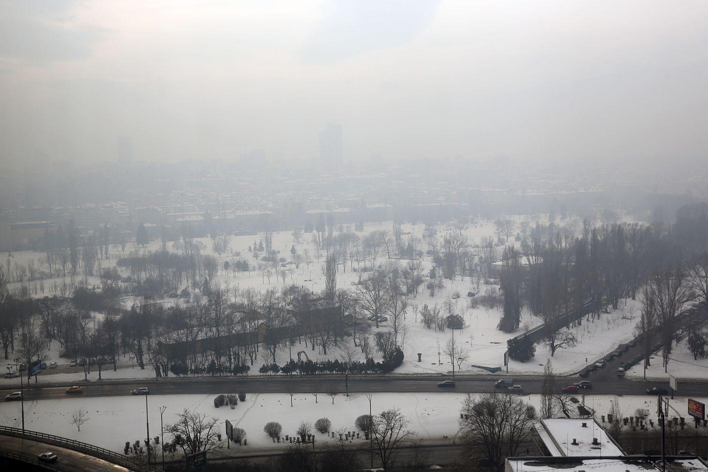 Суперкомпютър предупреждава за мръсен въздух в София