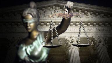Осъдиха 12 полицаи на по 3 и 4 г. затвор