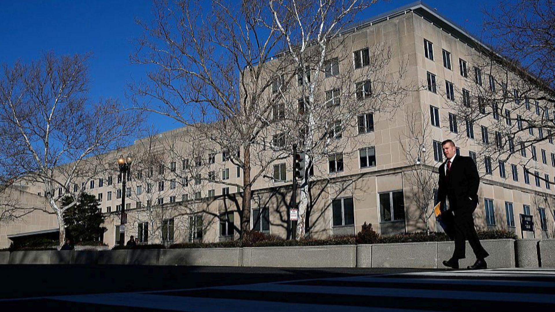 Нови загадъчни случаи с болни американски дипломати