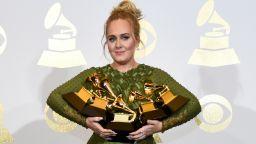 """Адел отбеляза 10-годишнината на отличения си с """"Грами"""" албум """"21"""""""