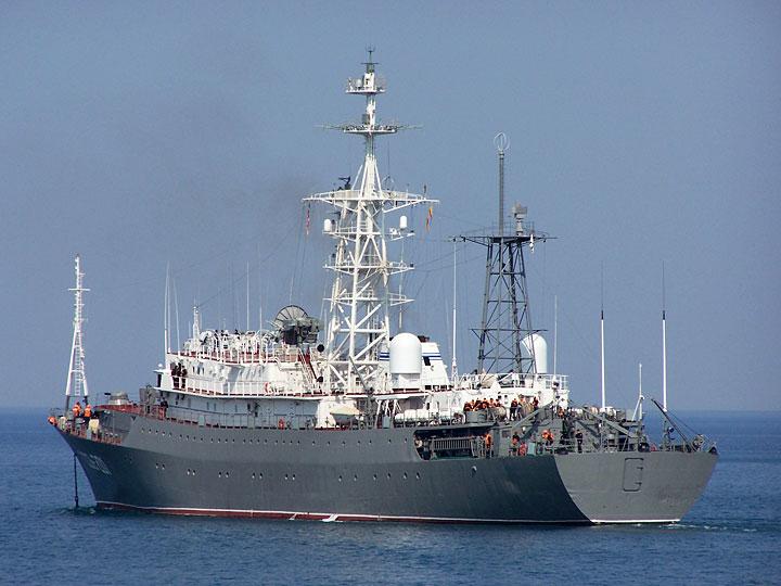 Кораб на руските ВМС се доближил до база на САЩ