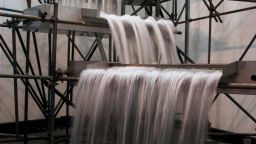 Олафур Елиасън - виртуозът на светлината, който създава водопади
