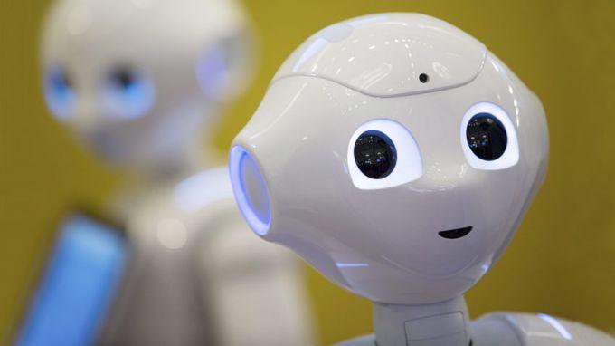 Веселин Русинов: Развитието на изкуствения интелект няма да изправи роботите срещу хората