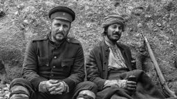 """На война като на война! Само мъже играят във """"Врагове"""" на Светослав Овчаров"""