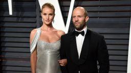 Джейсън Стейтъм и Роузи планират сватба до края на годината