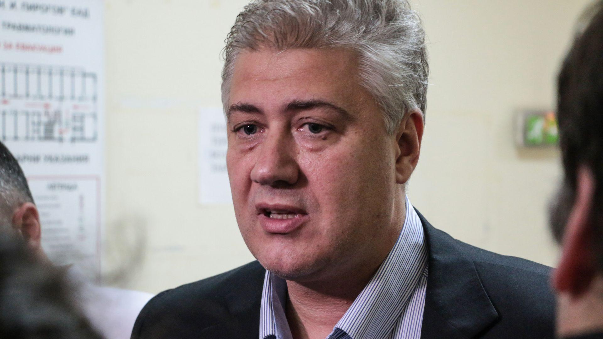 Проф. Асен Балтов: Около 20% от новорегистрираните с Covid-19 постъпват в болница