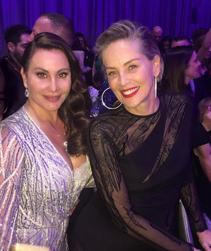 Дарина Павлова се снима с Шарън Стоун след Оскарите