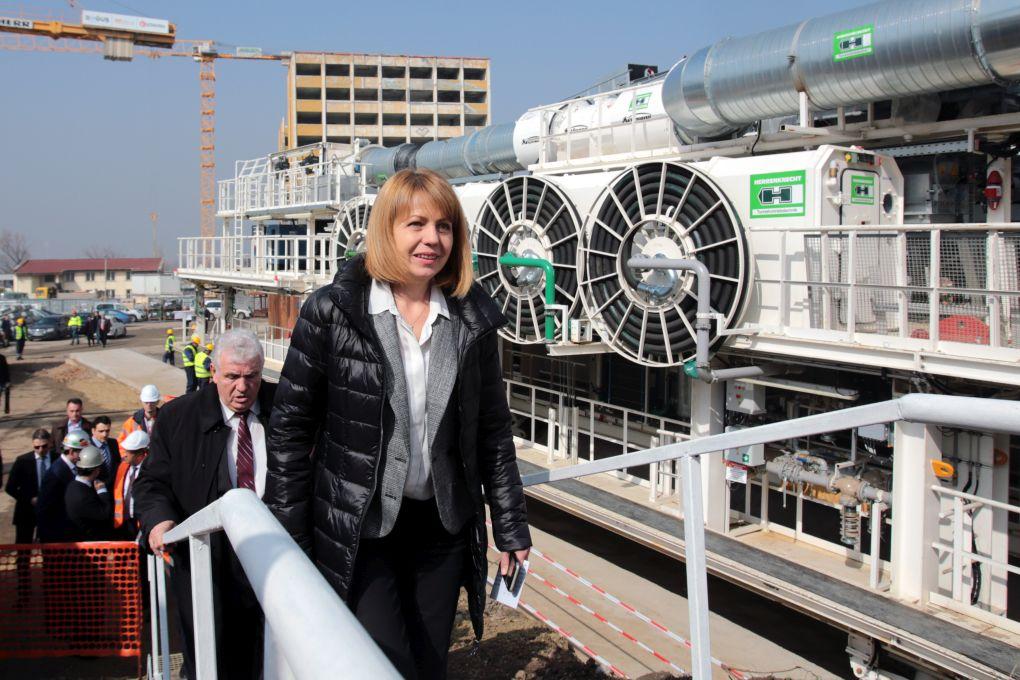 1600-тонна машина копае за третия лъч на метрото