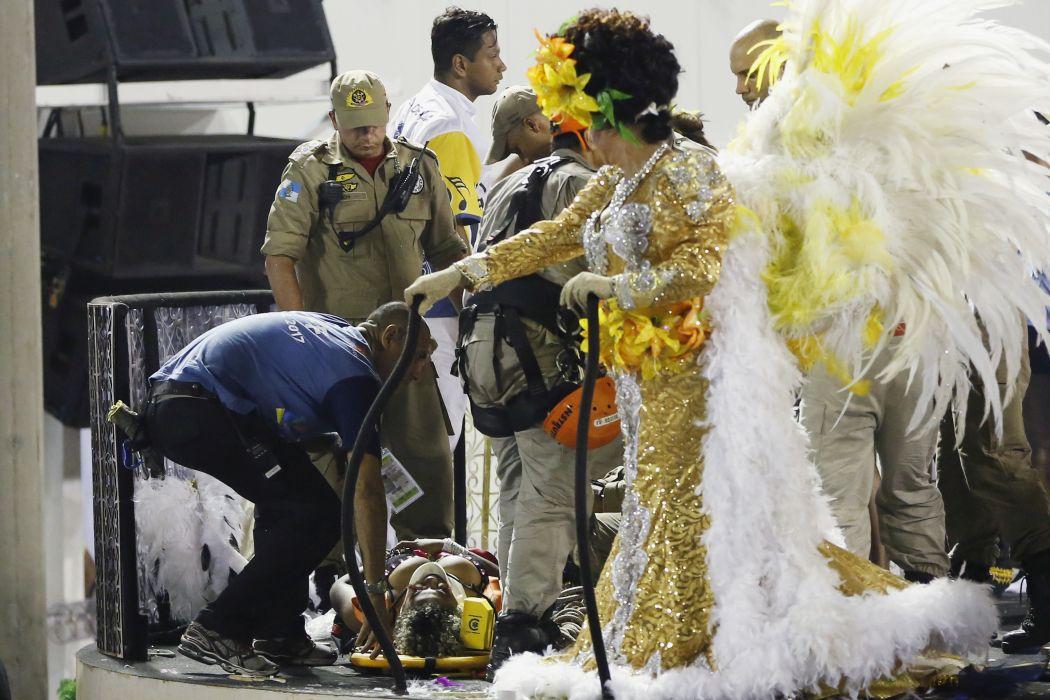 17 пострадали при инцидент на карнавала в Рио (снимки)