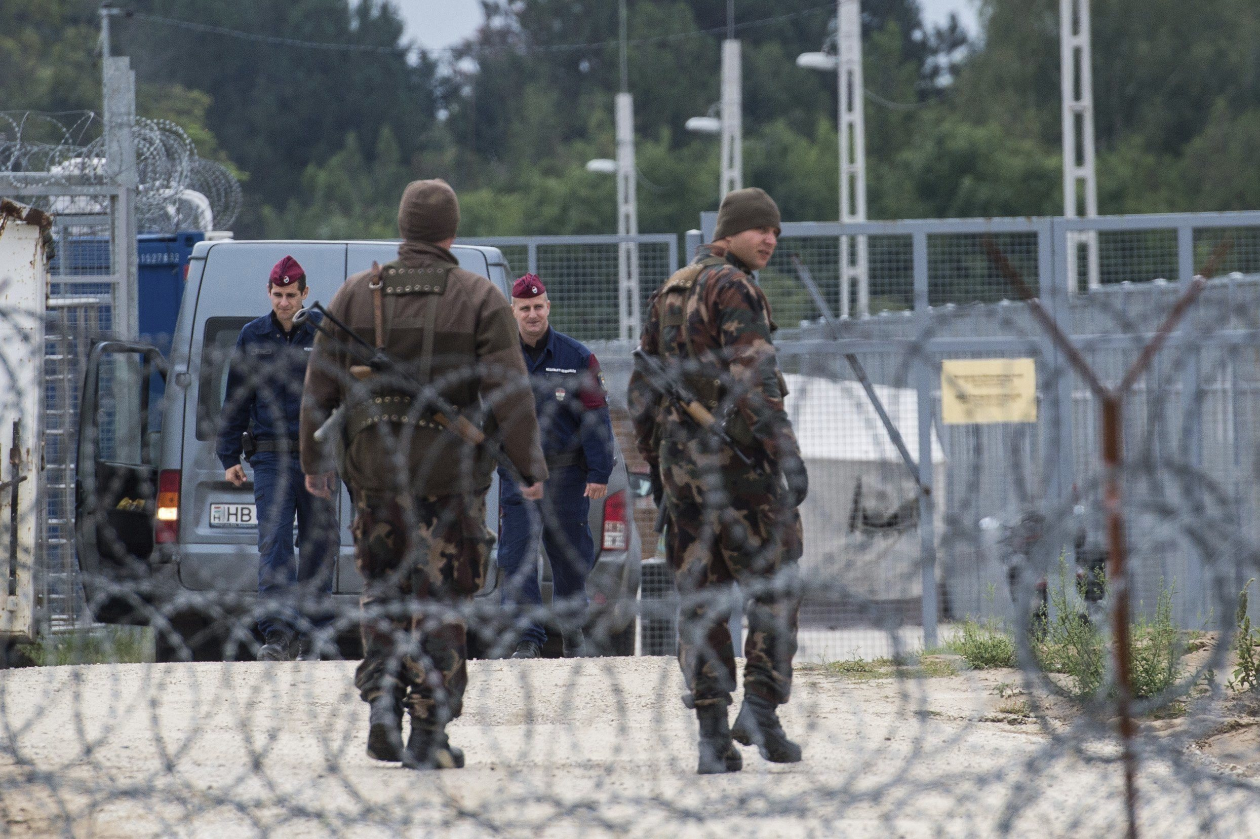 Унгария откри нова военна база на границата със Сърбия