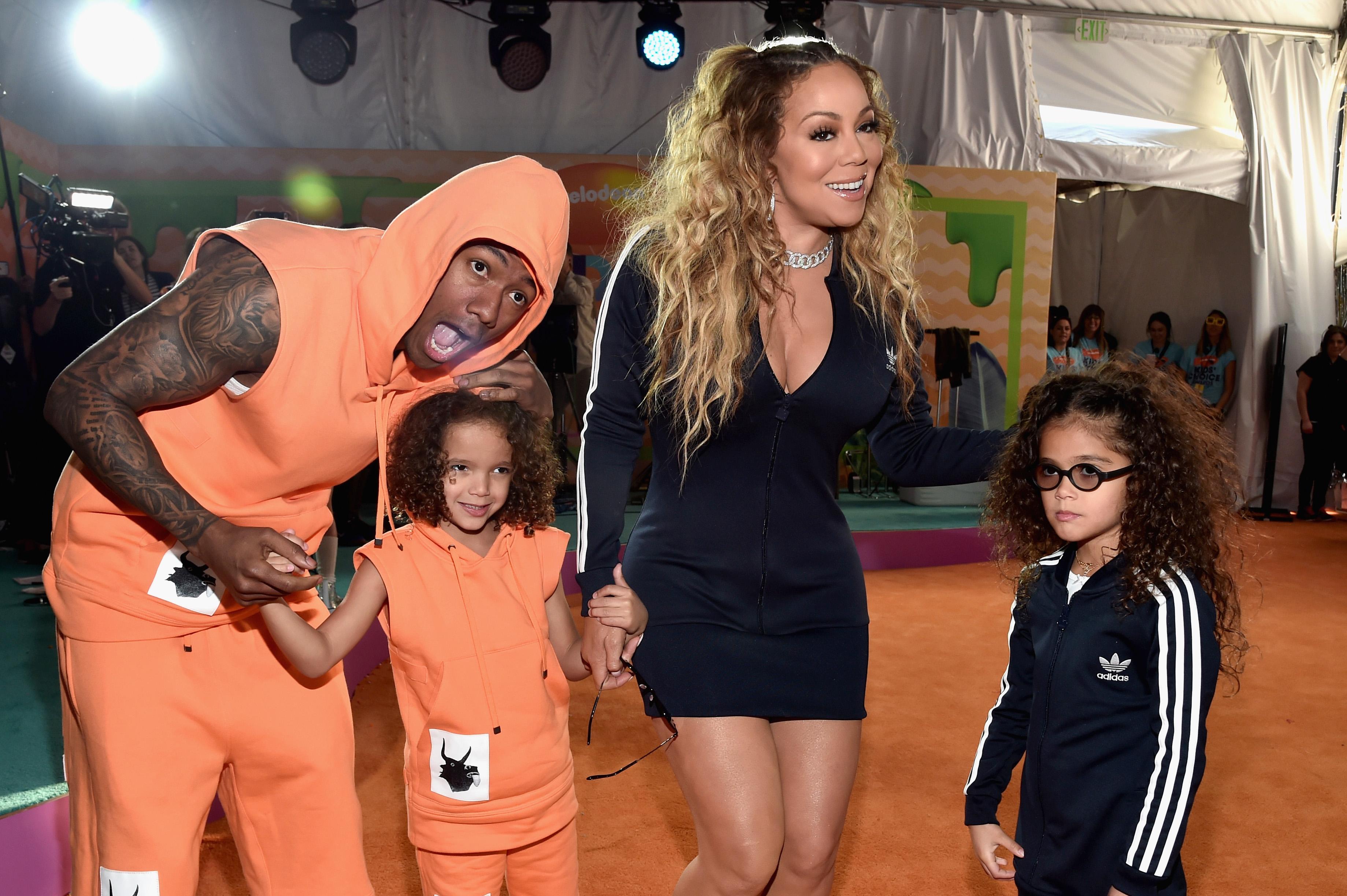 Ник Кенън и Марая Кери с близнаците им Марокан и Монро