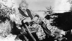 Писма от Алберт Айнщайн отиват на търг в Лондон