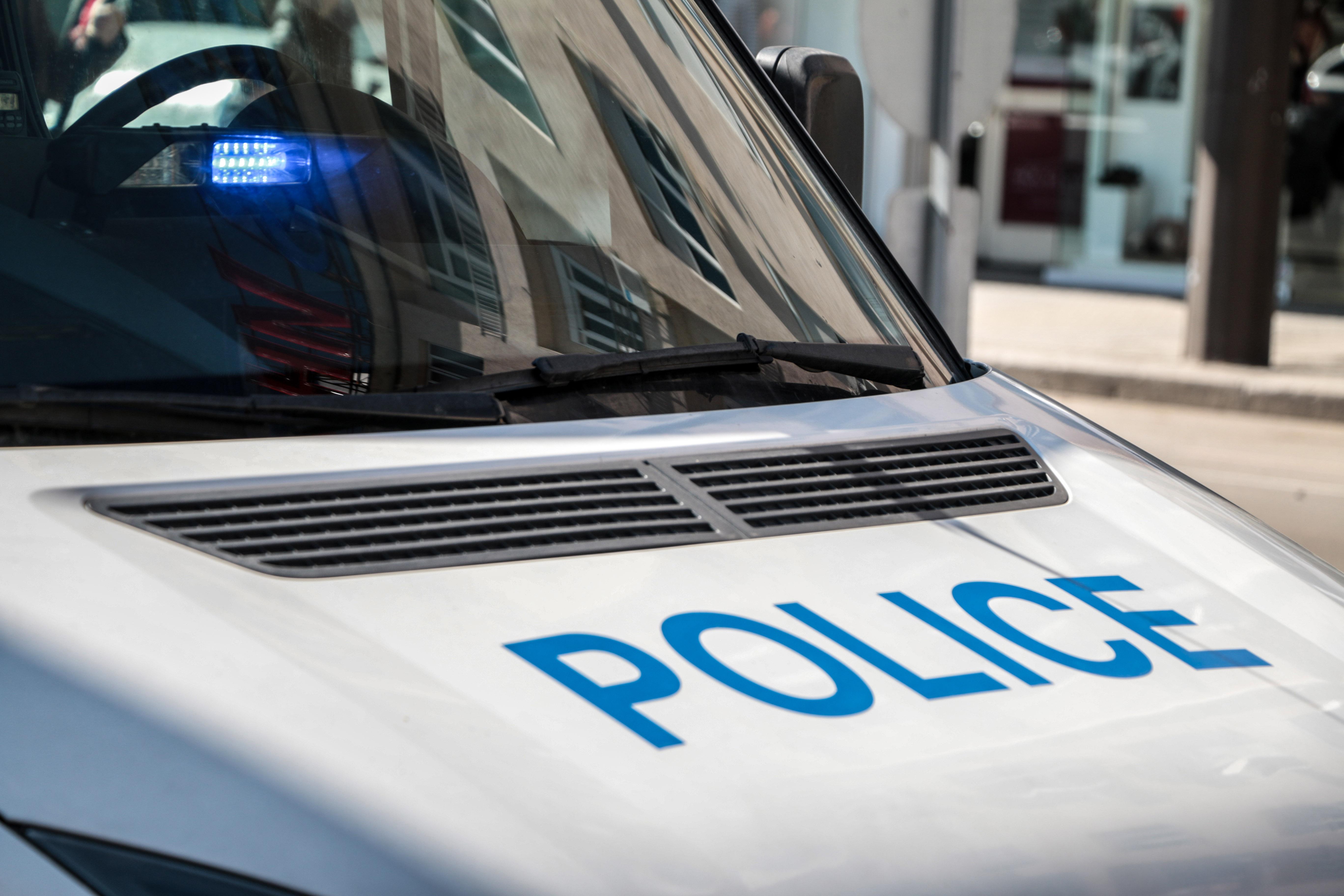 Наркодилъри блъснаха патрулка при спецакция в София