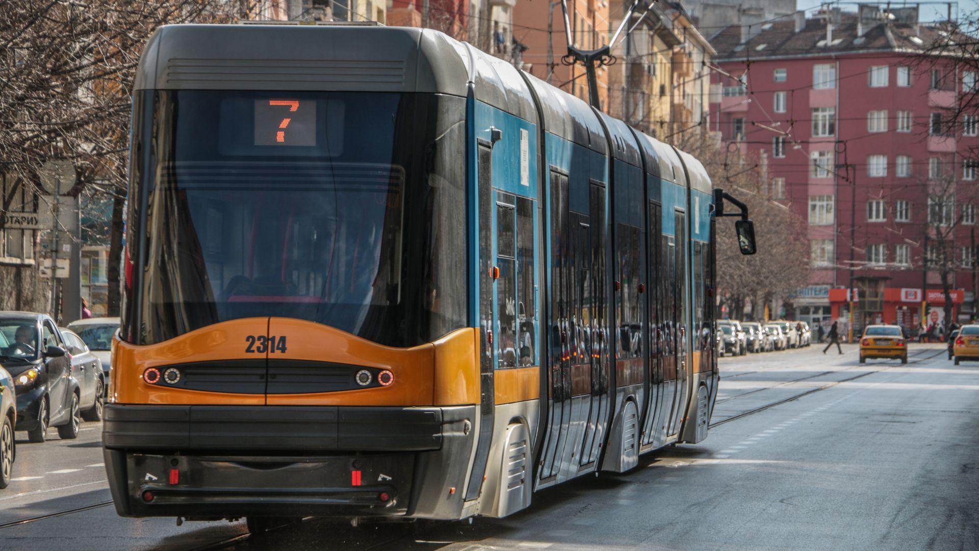 """Ремонт спира трамваите по столичния бул. """"България"""""""