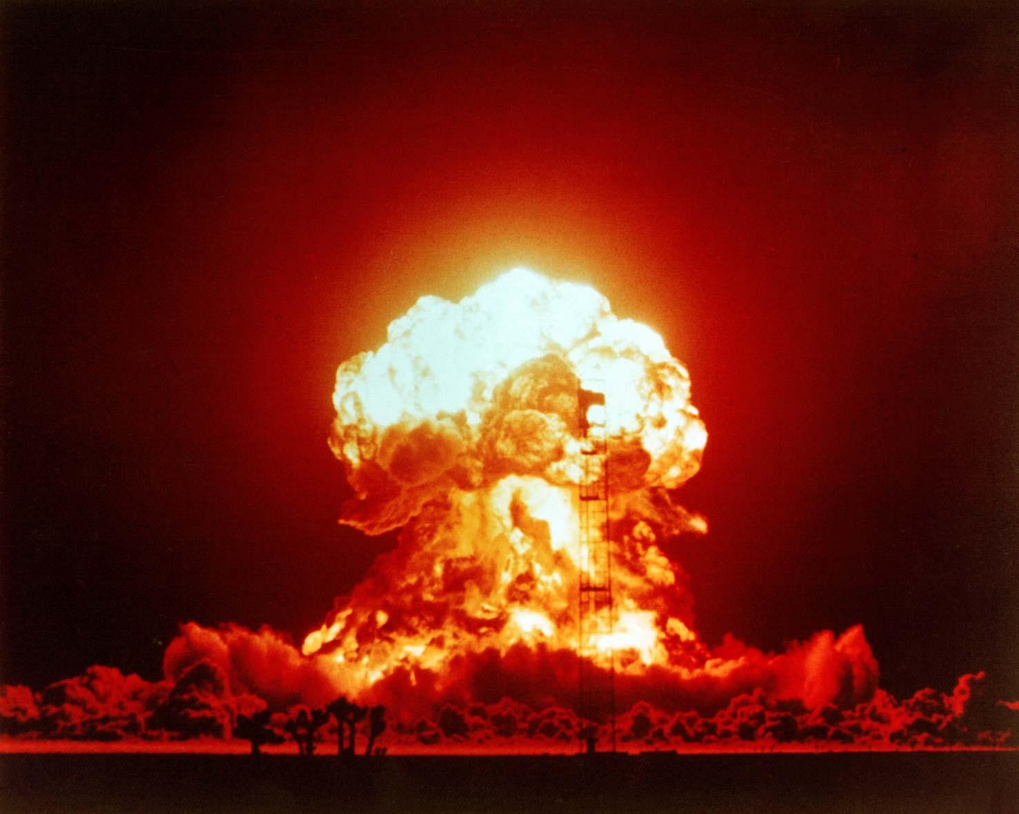 Ще оцелеете ли при ядрен взрив?