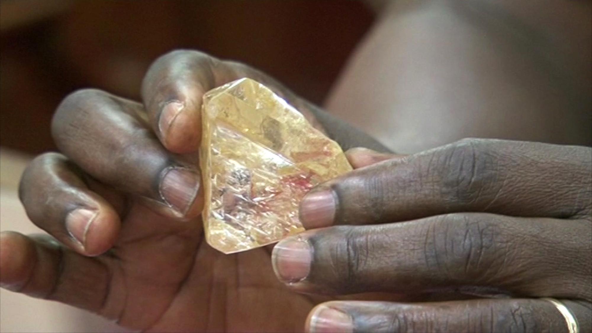 Пастор откри огромен 709-каратов диамант