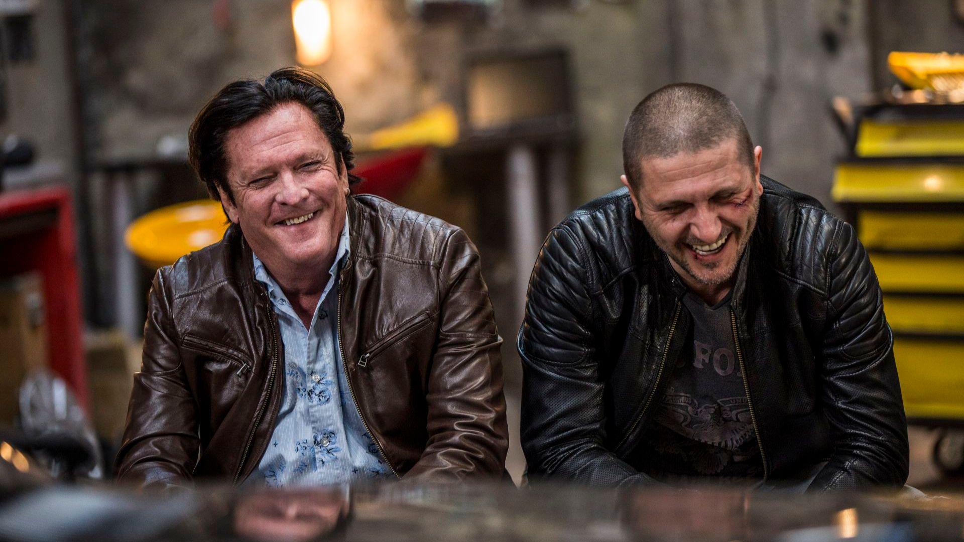 """Майкъл Медсън и Асен Блатечки по време на снимките на филма """"Бензин"""""""