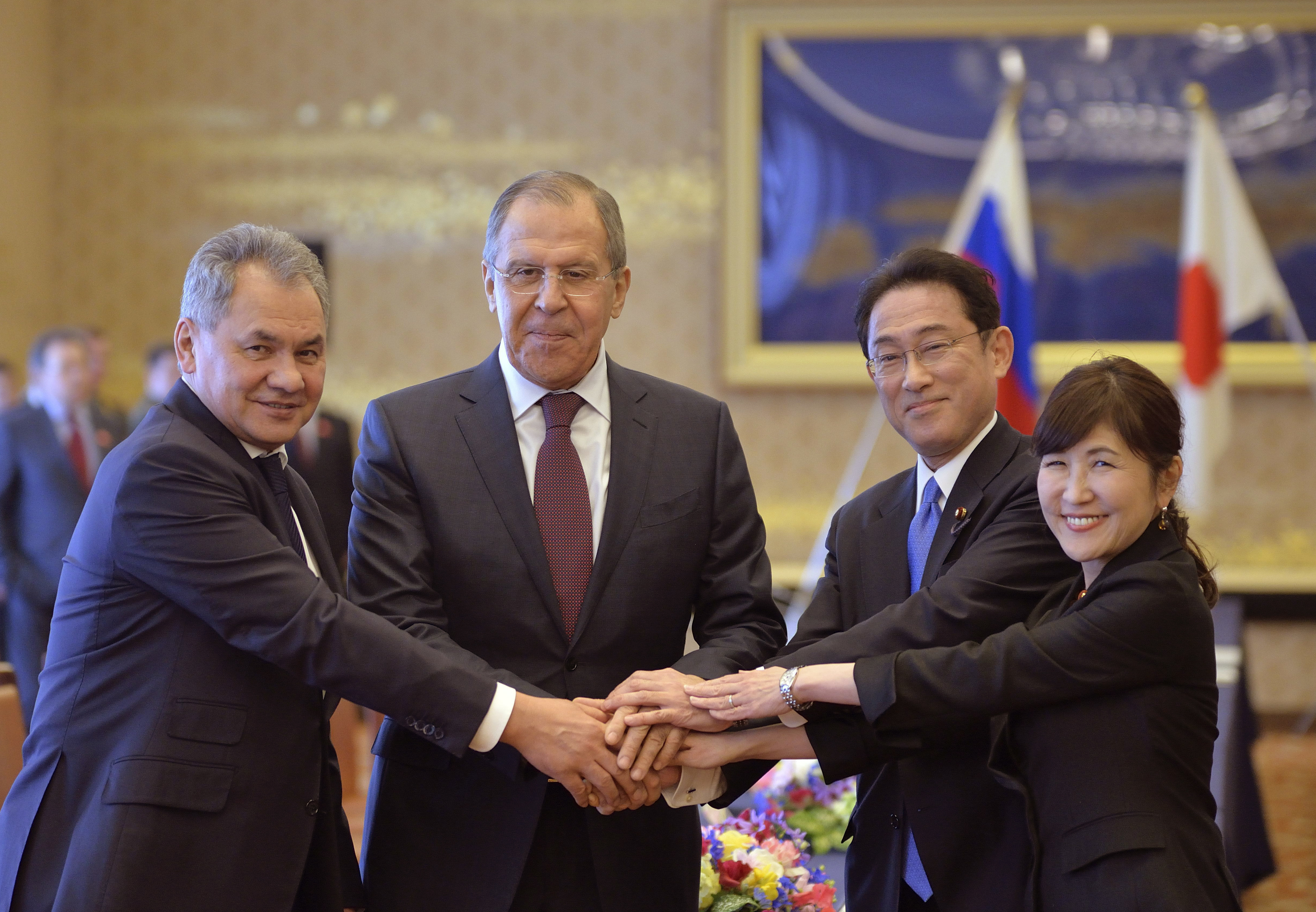 Японският премиер може да посети Русия идния месец