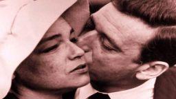 Френските идоли Симон Синьоре и Ив Монтан замалко не се развеждат заради Мерилин Монро