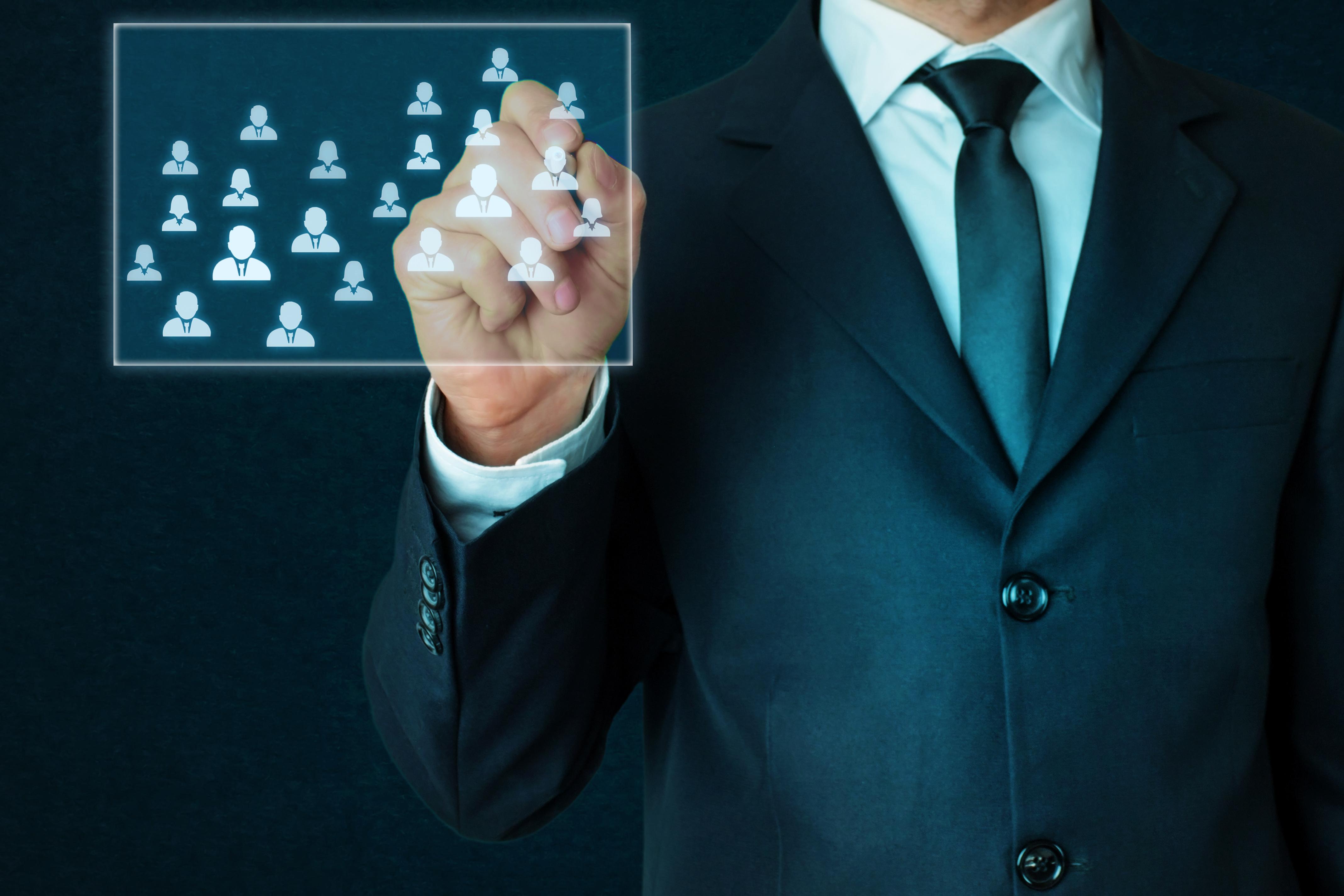 Бизнесът планира най-голямото наемане на кадри от 7 години