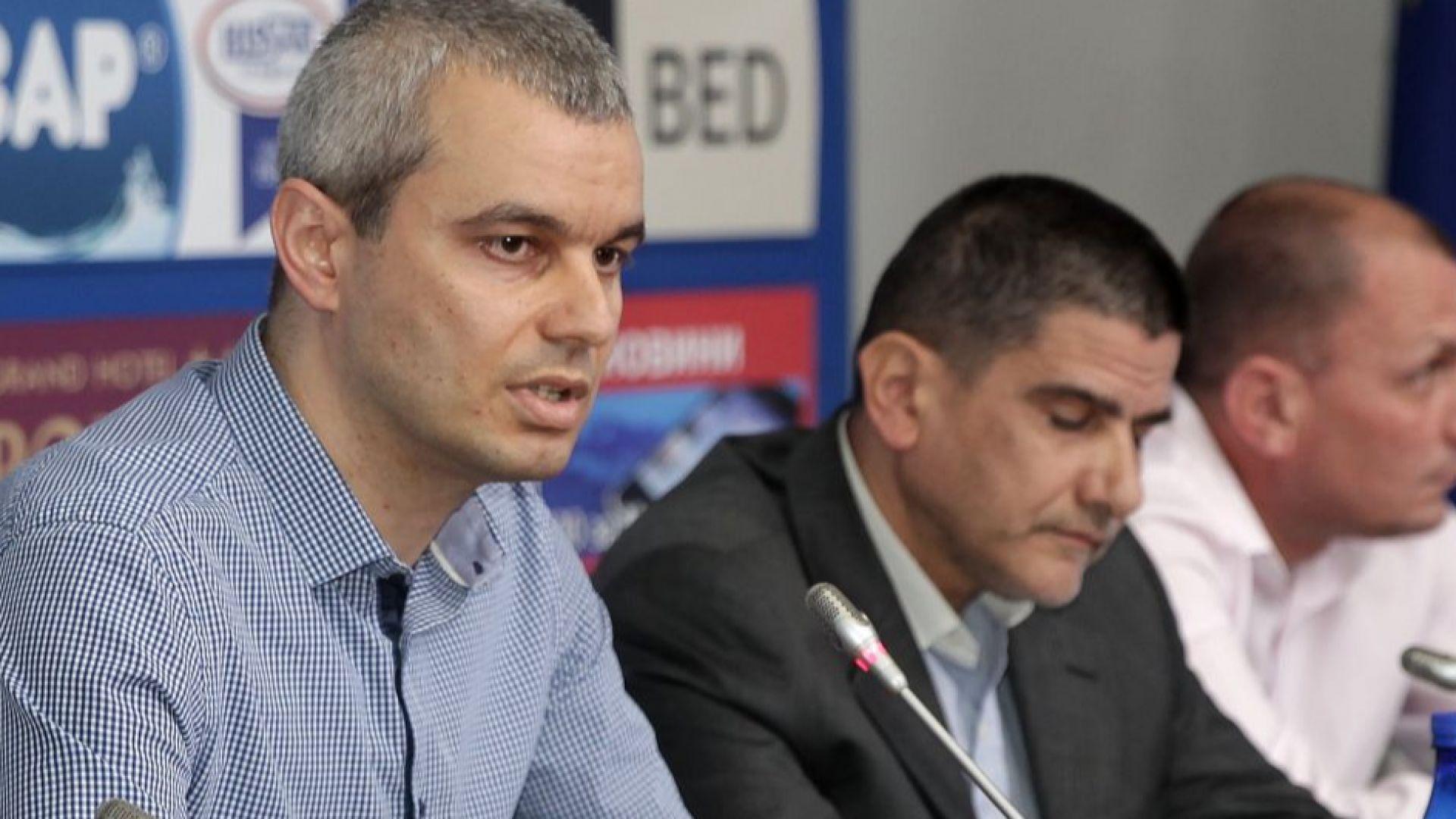"През 2017 година Костадин Костадинов заведе дело срещу лидера на ""Воля"" Веселин Марешки, който му ударил шамар"