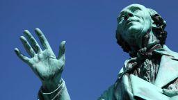 Великият Ханс Кристиан Андерсен цял живот страда заради своята сексуалност