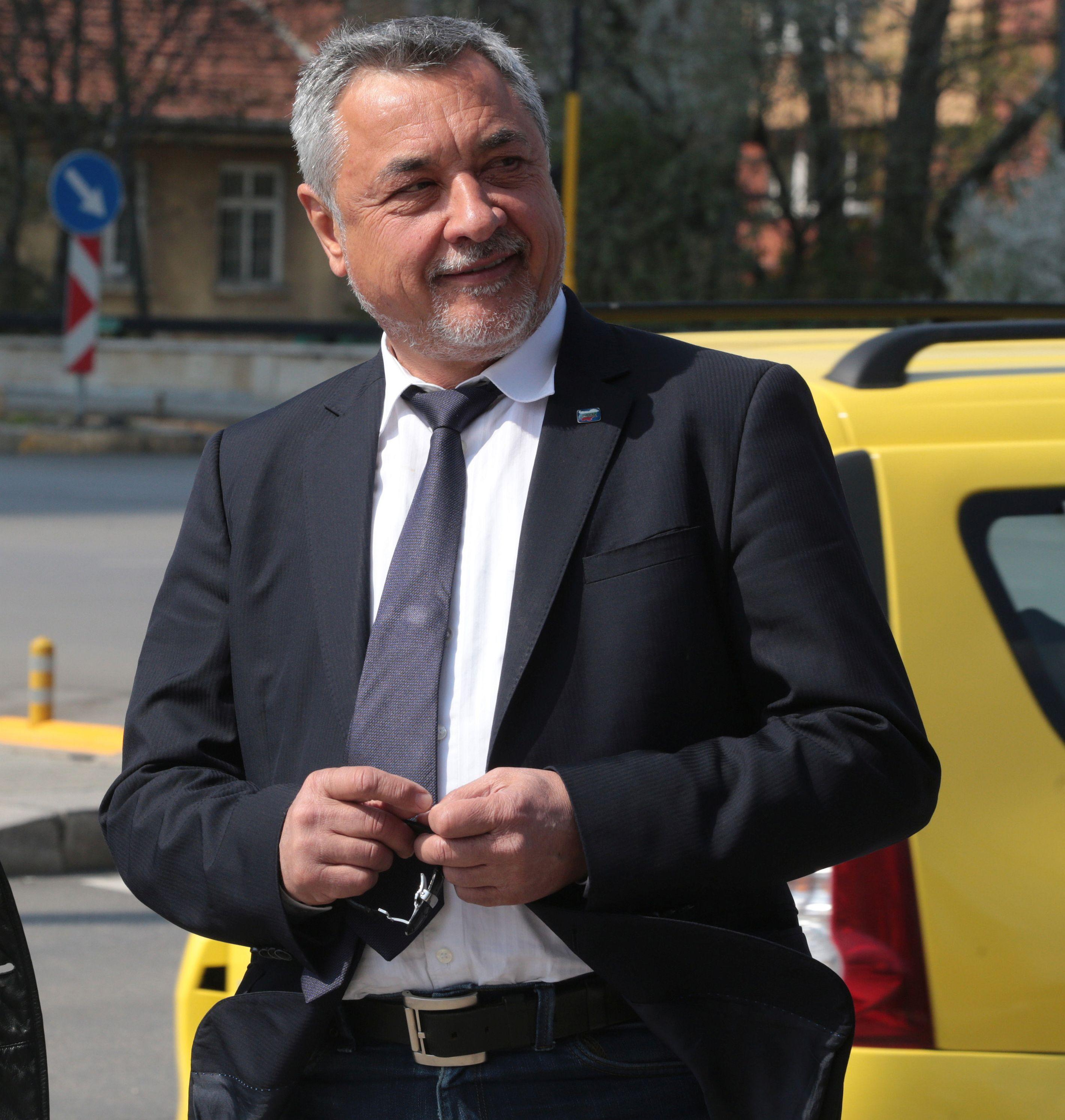 Симеонов не е притеснен от разследването на Слави Трифонов
