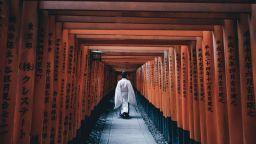 Такаши Ясуи - майсторът на щурите атмосфери