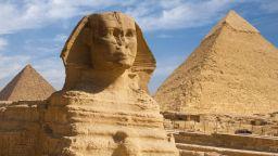 Защо египетските статуи са без носове?