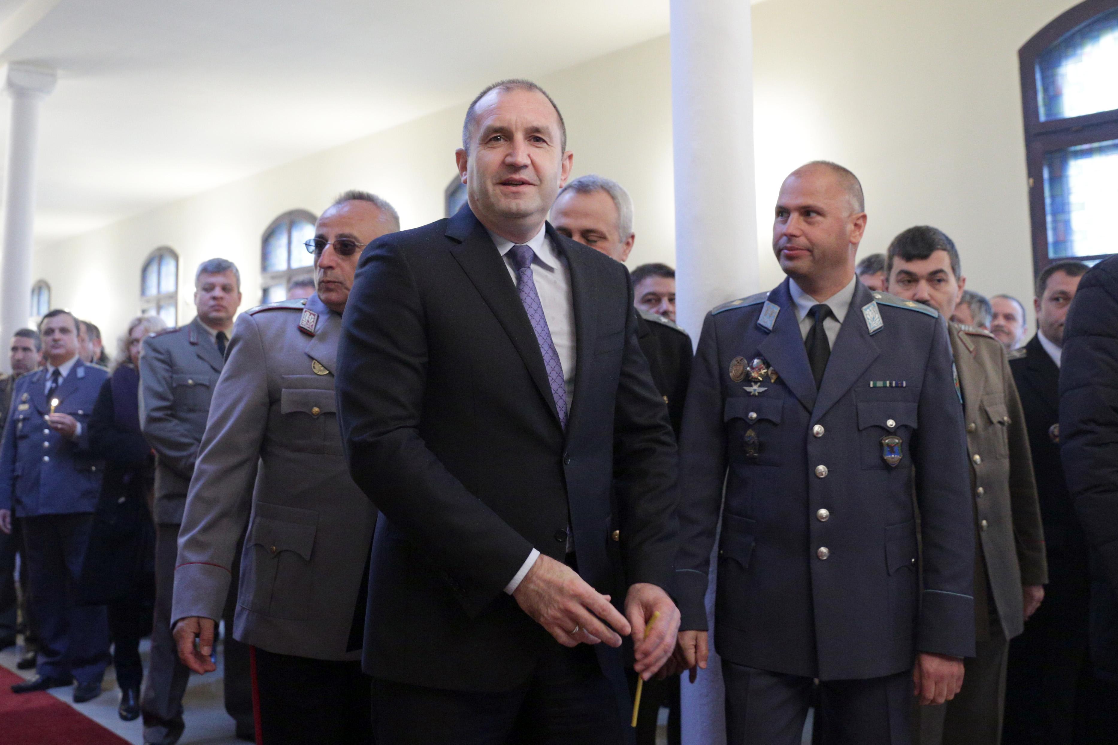 Радев: Твърдо следваме исканите в НАТО 2% военни разходи