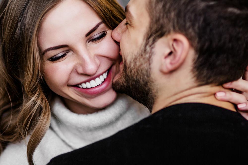 Учени разясниха защо се влюбваме