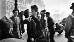 Световнопризнатият поет на градската фотография Робер Доано с първа изложба у нас
