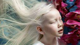 """Световните модни агенции полудяха по 8-годишната """"Белоснежка"""" от Якутия"""