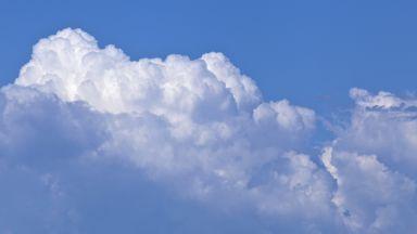 Китай ще строи фабрики за облаци