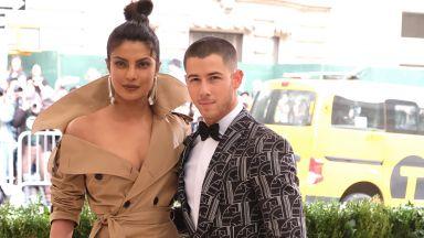 Приянка Чопра води Ник Джонас при майка си в Индия