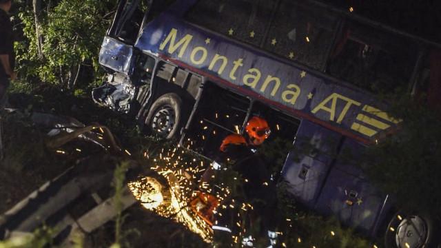 Съдят турския тираджия, помел автобус с 98 км/час