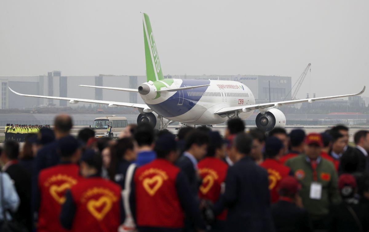Успешен тест за китайски пътнически самолет