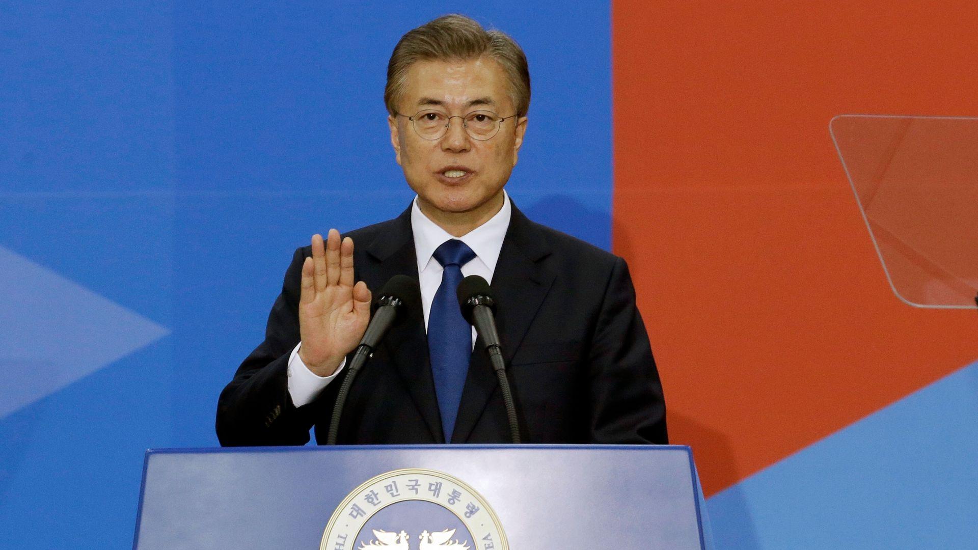Южнокорейският президент призова Япония да отмени ограниченията на износа