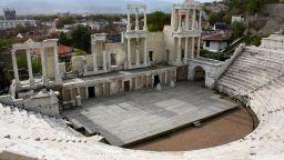Музика от филмите на Джеймс Бонд ще звучи в Античния театър