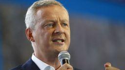 Франция обеща да изпълни изискванията на ЕК за дълга и дефицита