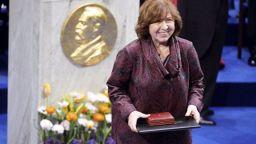 """Нобелова лауреатка """"умря"""" и """"възкръсна"""" в рамките на 2 часа"""