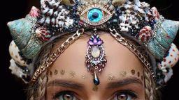 Зашеметяващи корони от мидени черупки, превръщат всяко момиче в принцеса