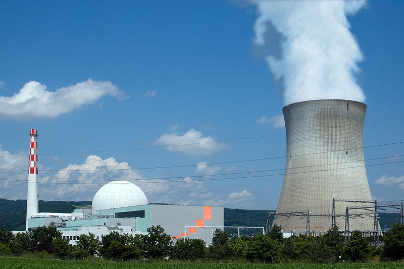 Швейцарците гласуват на референдум за ядрените централи