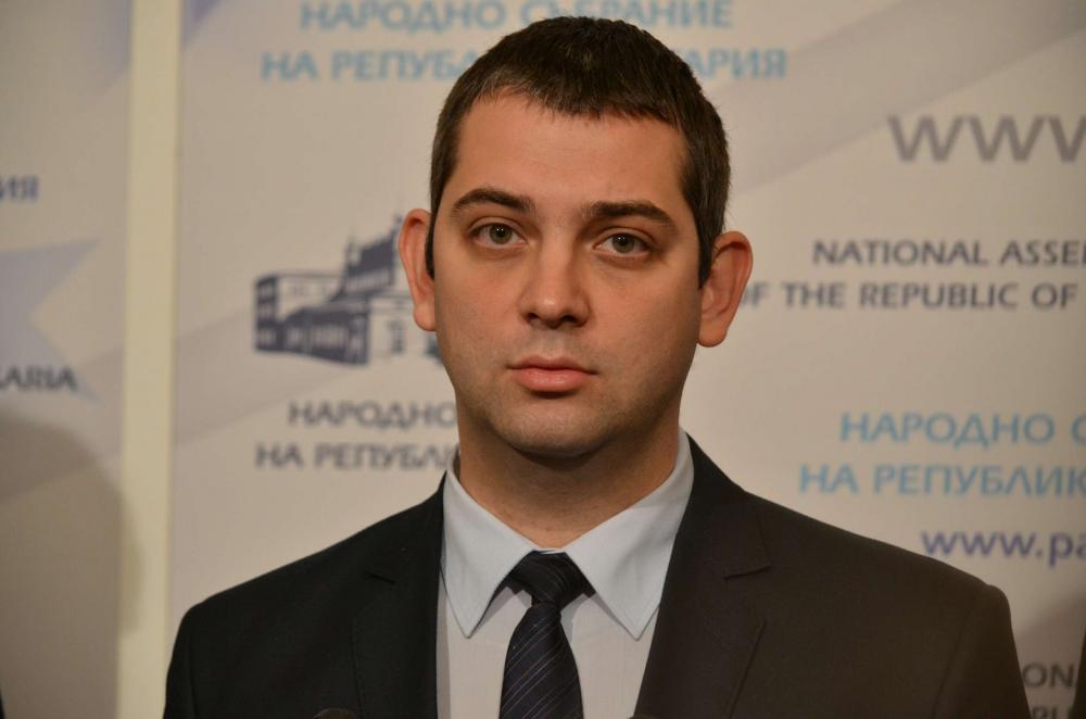 Димитър Делчев: Остър мирис на корупция в АПИ