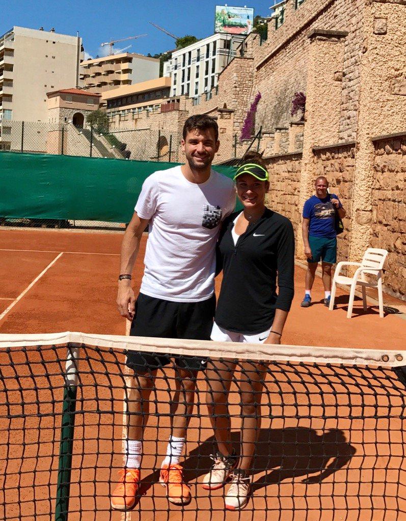 Гришо даде урок на млада тенисистка (видео)