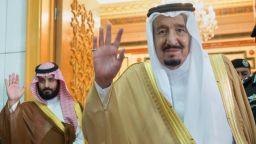 Крал Салман: Саудитска Арабия може да се справи с последиците от атаката срещу петролната рафинерия