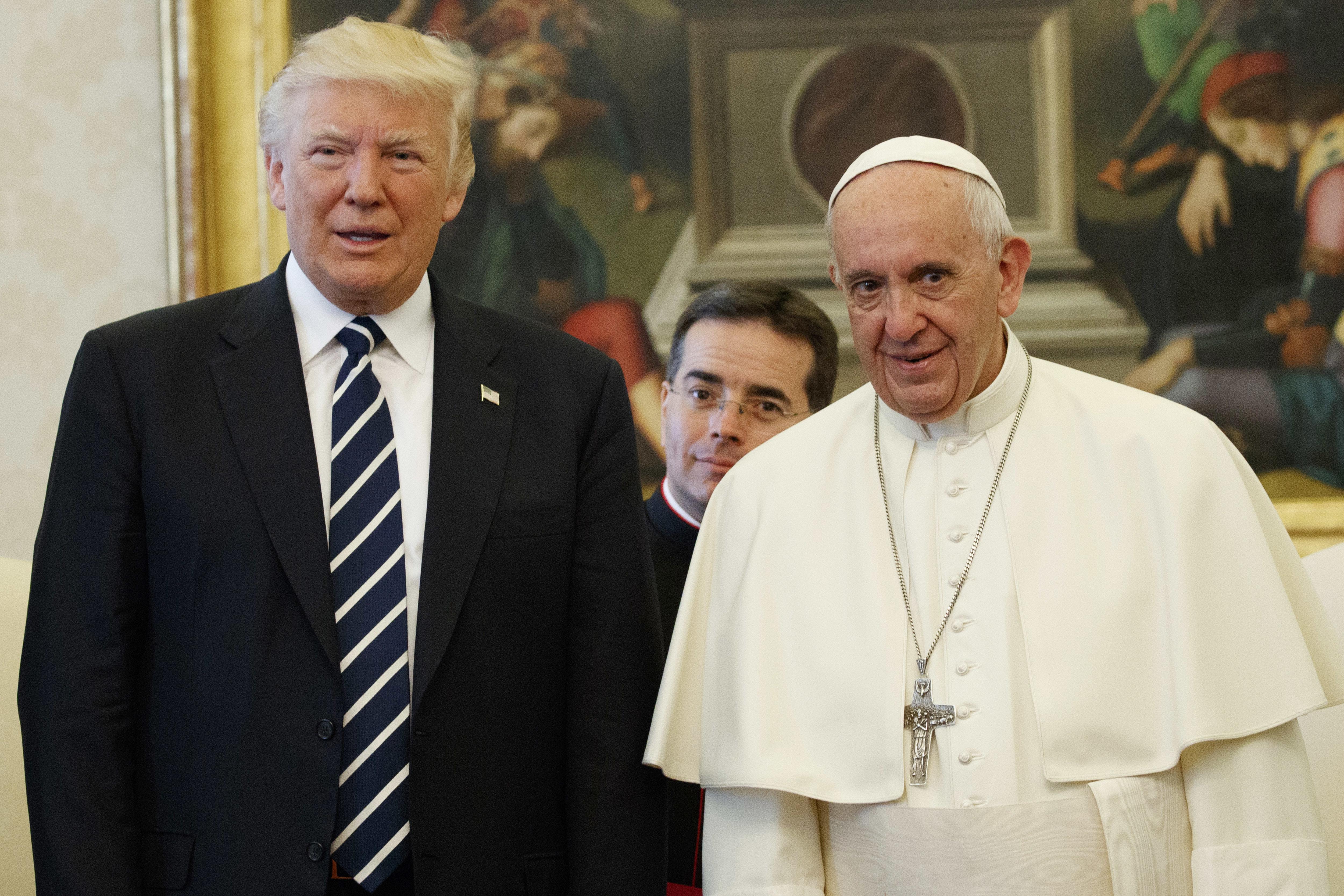 Папа Франциск събра 40 млн. последователи в Туитър