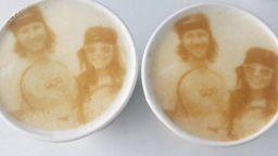 Снимайте се в... кафето си!