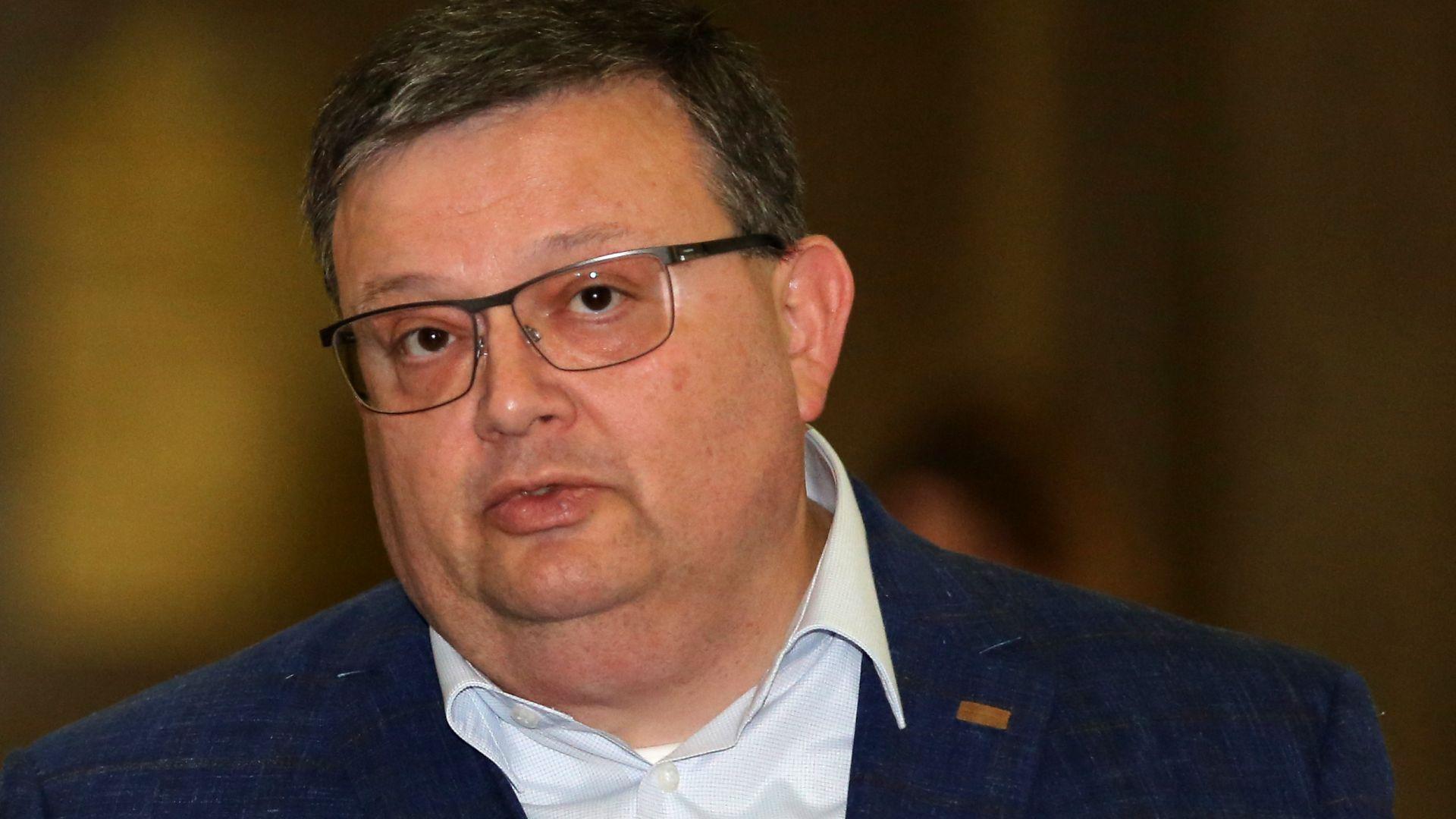 Цацаров подкрепи идеята за разследване на тримата големи в съдебната власт