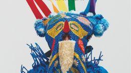 Пъстроцветни кукери повеждат шествието  за десетия юбилеен София Прайд